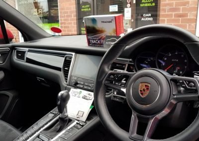 Porsche tracking & immobilisation